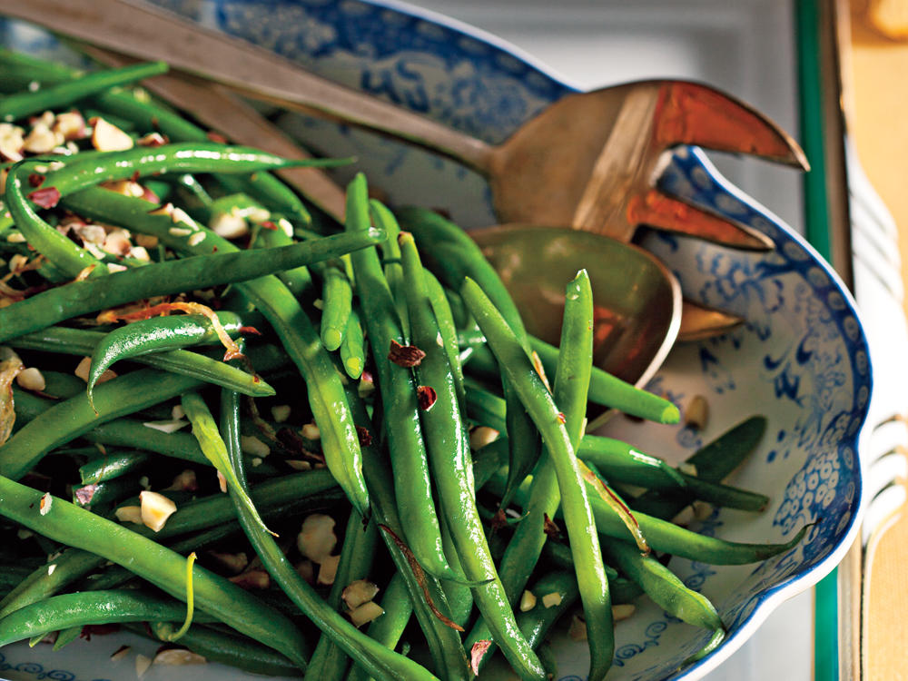 Green Beans with Shallots and Hazelnuts