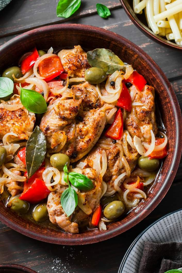 Slow Cooker Mediterranean Chicken with olives and peppers.