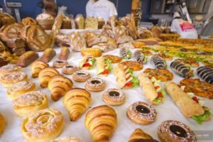 What is the difference between bakery and patisser…