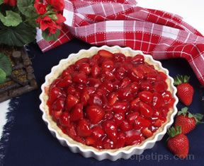 Fresh Strawberry Pie Recipe – RecipeTips.com