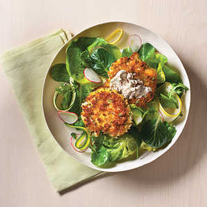 How to Cook Crab Cakes with Spicy Remouladcrab