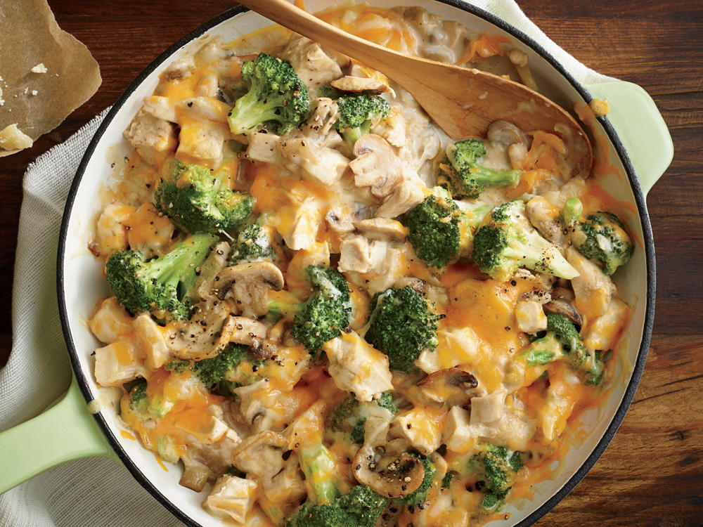 Healthy casseroles under 300 calories the healthy cooking source moms creamy chicken and broccoli casserole forumfinder Image collections