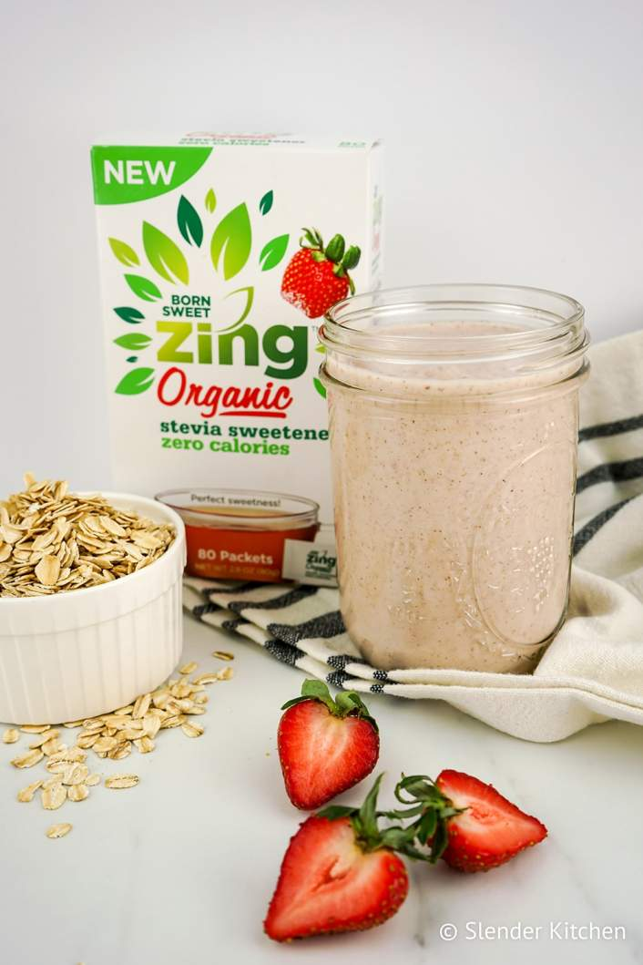 Strawberry Cheesecake Overnight Oat Smoothie