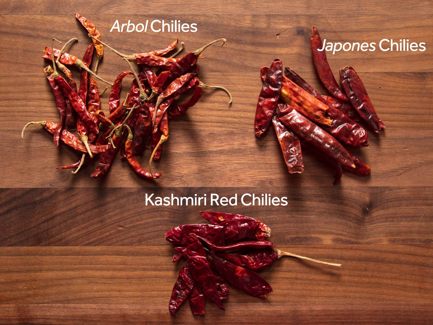 Dried árbol, japones, and Kashmiri red chilies