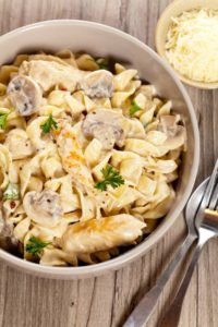 One Pot Creamy Chicken and Mushroom Pasta