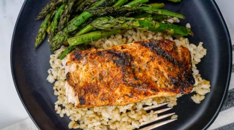 Cajun Salmon - Slender Kitchen