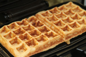 How to Make an Easy Waffle Recipe