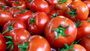 Eat Tomatoes for Cholesterol and Healthy Heart