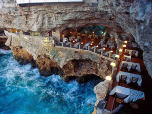 Restaurants in the Most Spectacular Locations