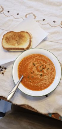Roasted Red Pepper and Tomato Soup : soup
