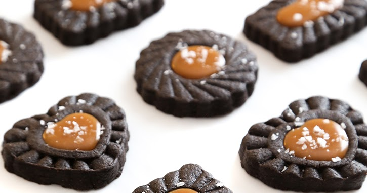 Dark Chocolate Cookies with Salted Caramel