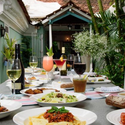 Key Factors To Consider When Choosing Your Restaurant's Food And Beverage Distributor