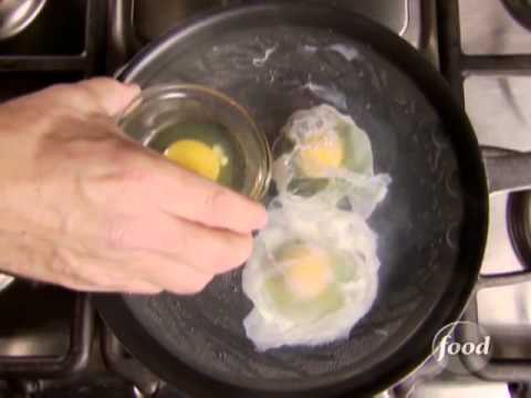 How to Poach an Egg: Alton Brown Shows You How | Food Network Video.