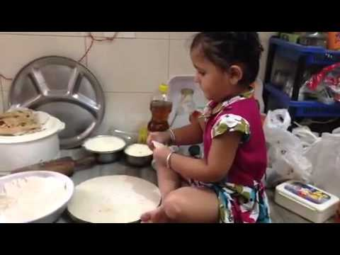 Wander child cooking in kitchen | Whatsapp funny video 2016 | Must Watch | Dhananjoy Barman