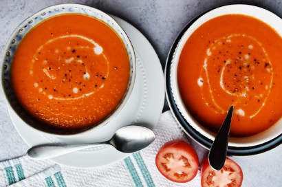 Spicy Roasted Red Pepper Tomato Soup